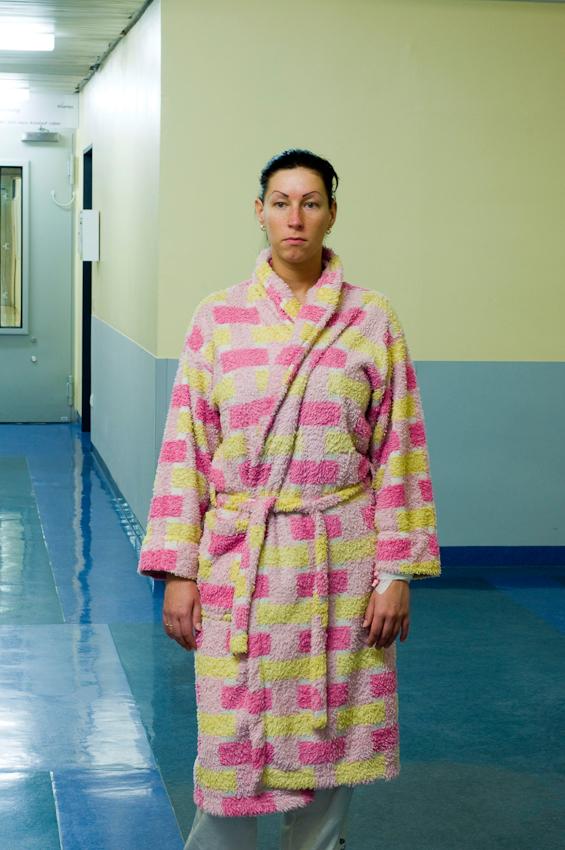 Anja, die Tochter des Pförtners, als Patientin im Vivantes-Klinikum am Urban in Berlin Kreuzberg.
