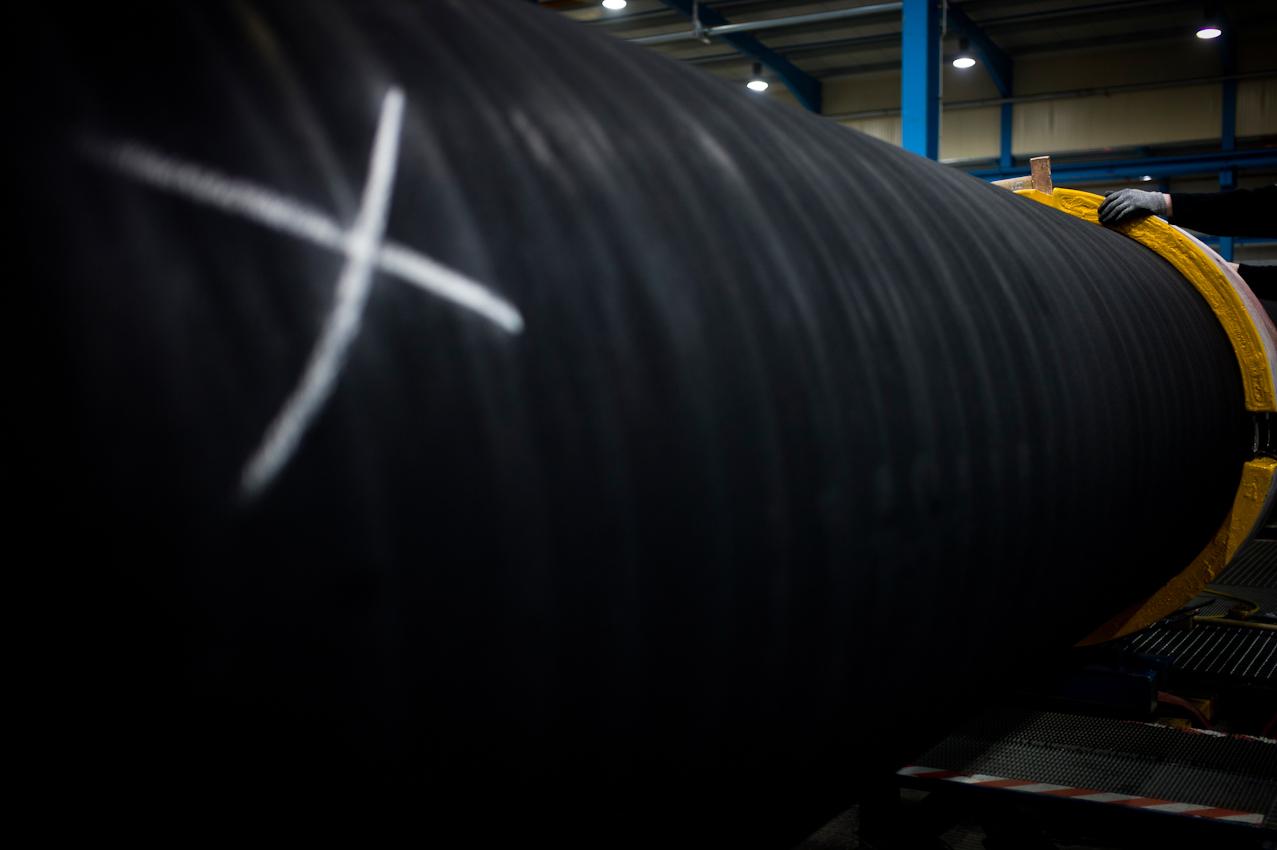 EUPEC PipeCoatings France SA ist Vertragspartner im Nord Stream Projekt zur Logistik und Betonummantelung der Stahlrohre für beide der je 1.220 km langen Ostseepipelines, die in Mukarn auf der Insel Rügen von ca. 300 Arbeitern produziert werden. An jedem zehnten Rohr ist eine Opferanode angebracht, die an Stelle des Rohres verrostet.