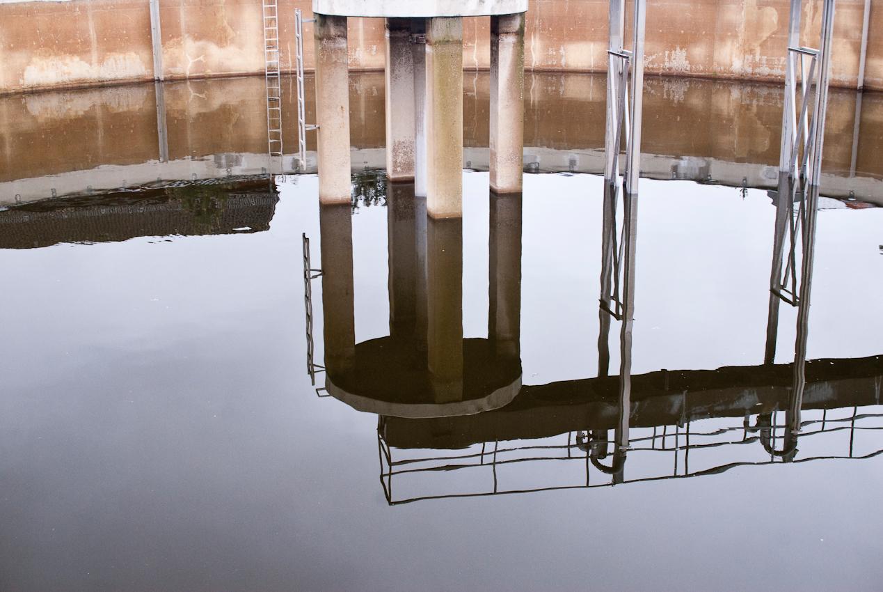 In der Brandenburger Kläranlage werden Abwässer mit klassischer Musik des Komponisten beschallt. Keine Scheiß-Musik – das soll den Reinigungsprozess beschleunigen.