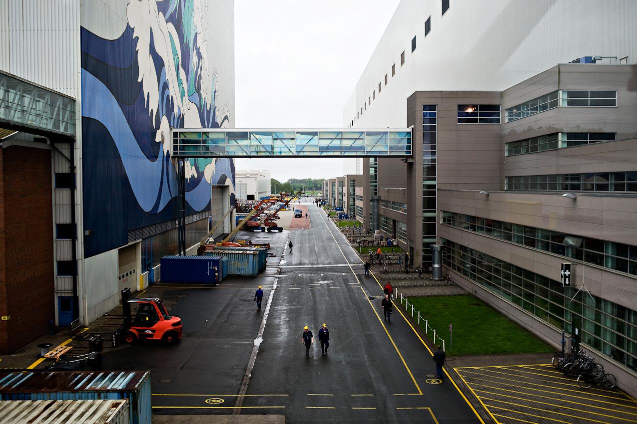 Dockhalle 1 und 2, Werkstraße und Teile des Besucherzentrums der Meyer Werft.